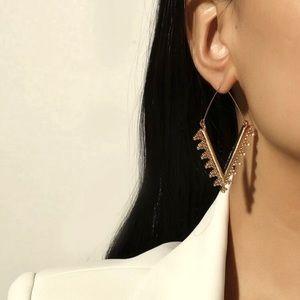 GOLD RHOMBUS SCALLOPED DIAMOND HOOP EARRINGS